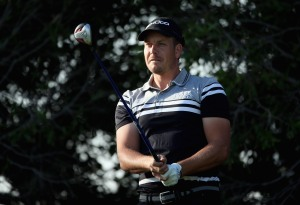 Stenson bulging his muscles in Abu Dhabi
