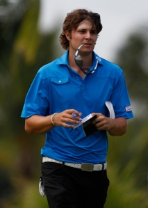 Whose hair is better? Dubuisson or Uihlein?