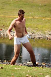 Henrik Stenson showing he is not afraid to get down and dirty back in 2009.